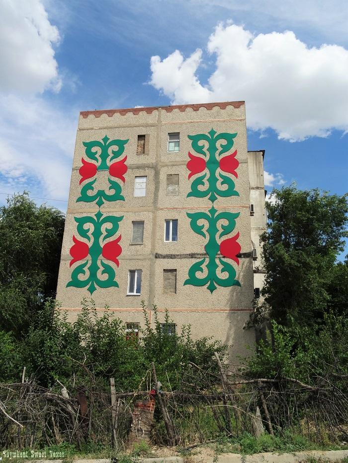Façades_Tomengi Otyrar_Fresque tulipes