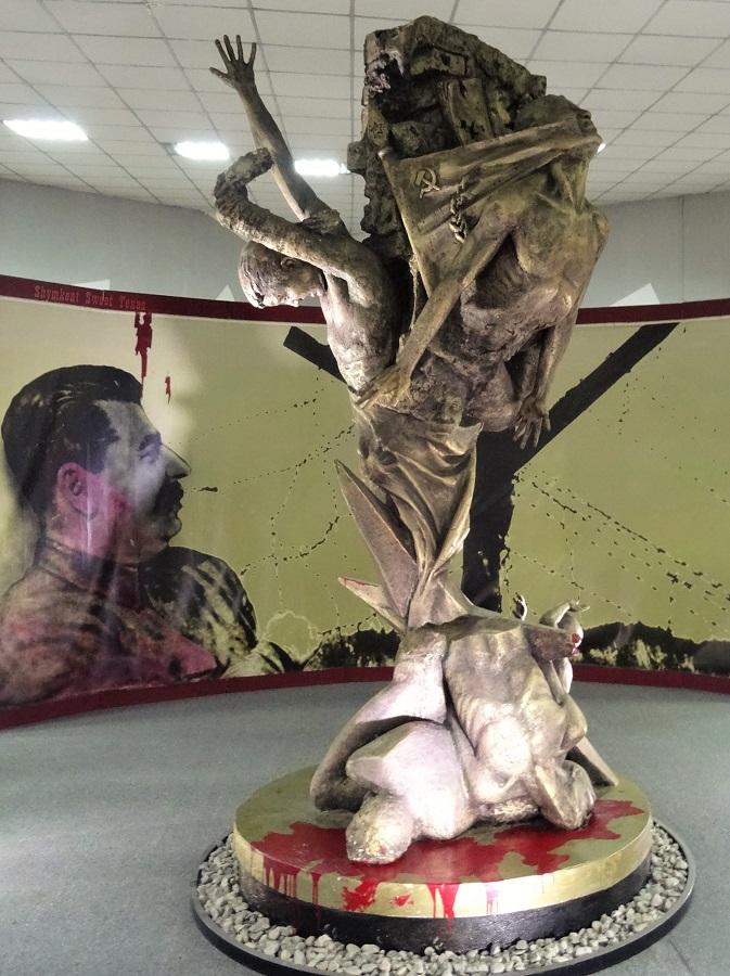 Musée victimes répression politique_Statue tragédie kazakhe