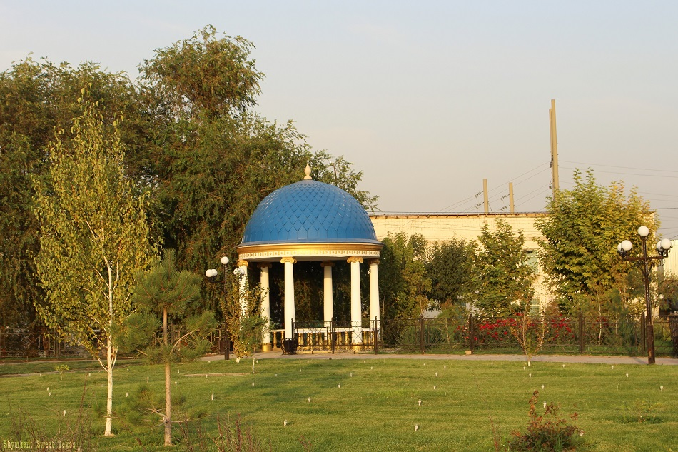 parc-independance-shymkent_pergola
