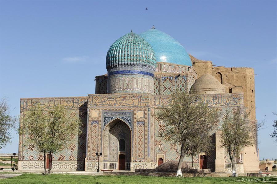 Turkestan_Mausoleum Ahmed Yassawi_Backside