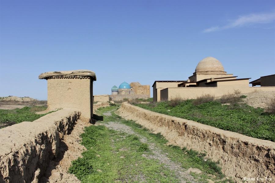Turkestan_Mausoleum Ahmed Yassawi_Khan mosque